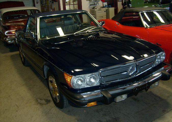 1987-Mercedes-Benz-560SL
